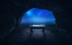 Krippe in der Höhle lizenzfreie stockfotos