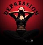 Krisendruck- und -verzweiflungshände der Frau leidende auf Kopf mit den Schmerz Lizenzfreies Stockbild