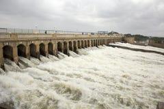 Krishna Raja Sagar Dam öppnar dess port Arkivfoto