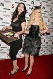 Kristal Mantecon en J.Smith bij de Partij van de Première van het Debuut van de Muziek J.Smith Video. Les Deux, Hollywood, CA. 02- royalty-vrije stock foto's