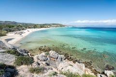 Kristal turkooise stranden van Griekenland Sithonia royalty-vrije stock foto