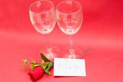 Kristalglazen en rozen Royalty-vrije Stock Fotografie