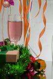 Kristall för grunge för helgdagsafton eller för abstrakt begrepp för ` s för nytt år för guld- för grönt parti för Champagneexpon royaltyfri foto