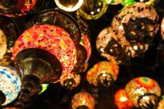 Kristallampen voor verkoop op de Grote Bazaar in Istanboel Royalty-vrije Stock Foto