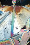 Kristalle in polarisierter Leuchte Stockfotografie