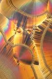 Kristalle unter Mikroskop Stockfotos