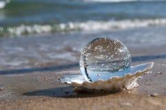 Kristallen bol als parel Royalty-vrije Stock Foto's