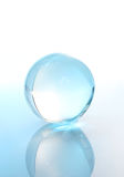Kristallen bol met bezinning Stock Foto's