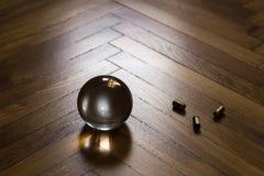 Kristallen bol met munitie Royalty-vrije Stock Afbeelding