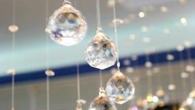 Kristallen bollen in het binnenland Goede achtergrond voor etiketten en titels stock video