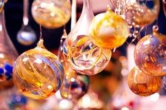 Kristallen bollen met kaars - Glaskugeln mit Kerzen stock afbeeldingen