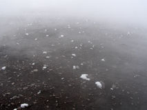 Kristallen van ijs op hete vulkanische oppervlakte Royalty-vrije Stock Fotografie