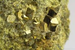 Kristallen van pyriet Stock Afbeeldingen