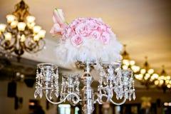 Kristaller & rosor - stearinljusställning Royaltyfria Bilder
