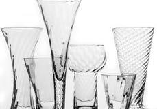 Kristallgläser über Weiß Stockfotos