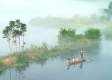 kristallklar mist för 6 lake över royaltyfria bilder
