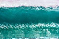 Kristallklar turkosvåg på Goldet Coast i queensland Australien royaltyfri bild
