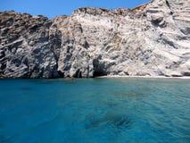 Kristallklart vatten i den Paros ön, Grekland Royaltyfri Bild