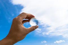 Kristallkula- eller exponeringsglasjordboll Arkivfoto
