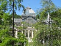 Kristallpalast im Retiro Park in Madrid Spanien lizenzfreie stockfotos