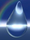 Kristallregentropfen und Regenbogen Stockfotos