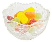 Kristallvase mit Geleesüßigkeiten Stockfoto