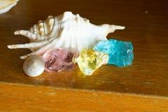 Kristalsteen in groene openlucht royalty-vrije stock foto