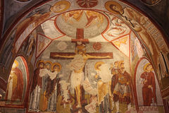 Kristen freskomålning i forntida underjordisk grottakyrka i Turkiet Royaltyfri Foto