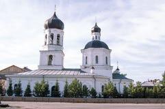 Kristen kyrka i Tomsk, Ryssland kyrklig white royaltyfria bilder