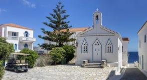 Kristen ortodox kyrklig n?rbildAndros ?, Grekland, Cyclades royaltyfria foton
