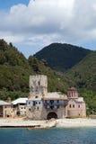 Kristen relikskrin vid havet på Mount Athos Royaltyfri Fotografi