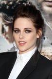 Kristen Stewart llega la investigación de Los Ángeles ?blanco como la nieve y del Huntsman? Foto de archivo