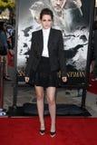 Kristen Stewart llega la investigación de Los Ángeles ?blanco como la nieve y del Huntsman? Foto de archivo libre de regalías
