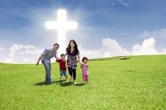 Kristet familjspring parkerar in arkivfoton