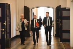 Kristian thulesen dahl som det danska folket festar brukar financeminister royaltyfri fotografi