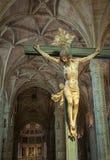 Kristus korsfäste skulptur i den Jeronimos kloster, Lissabon, Portu Arkivbilder