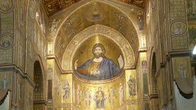 Kristus Pantokrator, Domkyrka-basilika av Monreale, är en Roman Catholic kyrka i Monreale, Sicilien, sydliga Italien Ken brännska lager videofilmer