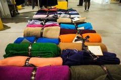 So kritische so Modeausstellung in Mailand am 20. September 2013 Stockbild