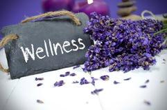 Kritisera den svart tavlan med lavendel och wellness arkivbild