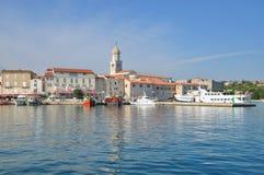 Krk镇, Krk海岛,亚得里亚海,克罗地亚 免版税库存图片
