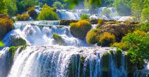Krka nationalpark i Kroatien under sommarvärme Royaltyfri Bild