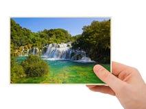 Krka siklawy fotografia w ręce (Chorwacja) Zdjęcie Royalty Free