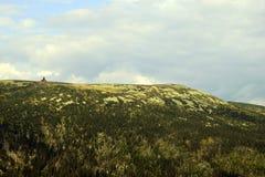 KrkonoÅ ¡ e - góra krajobraz z szaletem obrazy stock