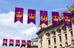 Królewscy Diamentowego jubileuszu sztandary w Londyn Zdjęcia Stock