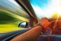 Körning för snabb bil Arkivfoton