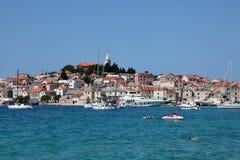 kroaten primosten townen Royaltyfri Fotografi