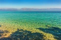 Kroatien - adriatisches Meer und das Makarska Riviera auf dem Horizont Stockfotografie