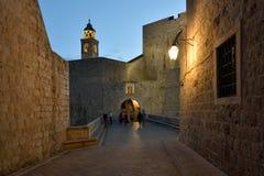 Kroatien Dubrovnik, omgivning av den Ploce porten arkivfoto