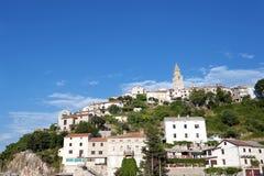 Kroatien för Vrbnik stadKrk ö Arkivbild