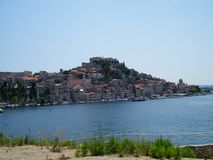 Kroatien gammal stad nära Adriatiskt havet arkivbild